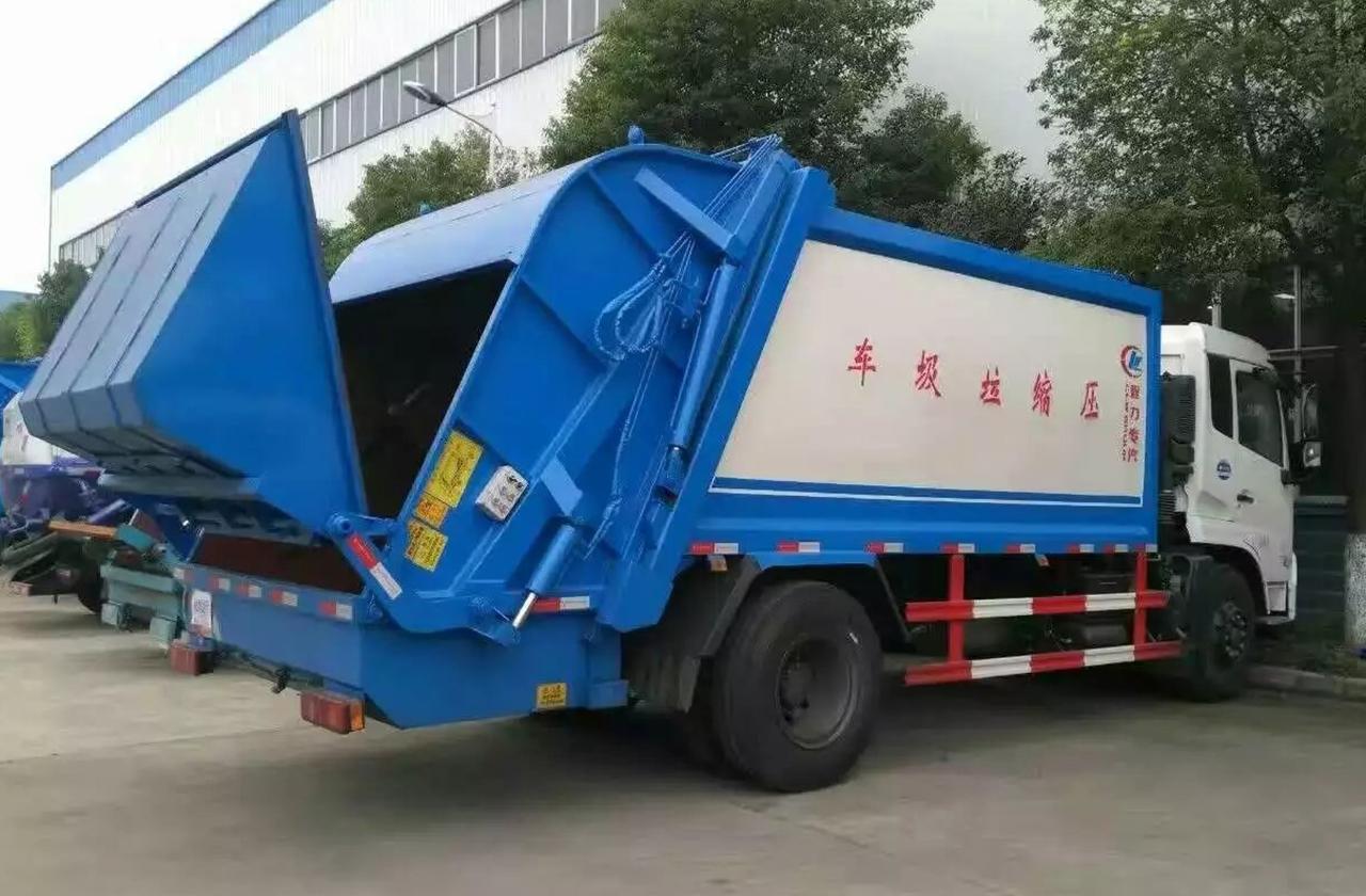 东风多利卡压缩垃圾车