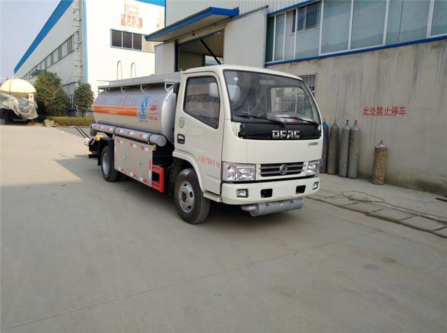東風多利卡運油車(4噸汽柴煤油)圖片