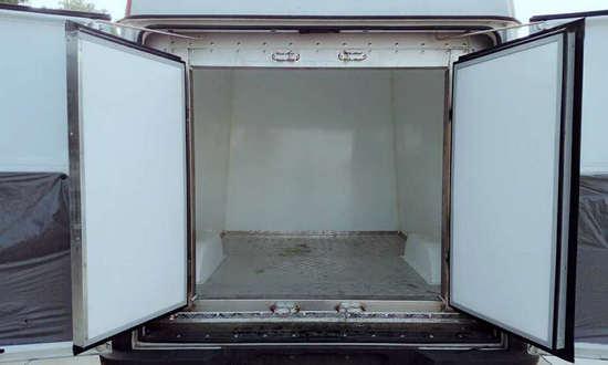 依维科面包冷藏车3