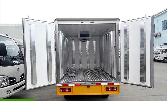 长安2.7米冷藏车4