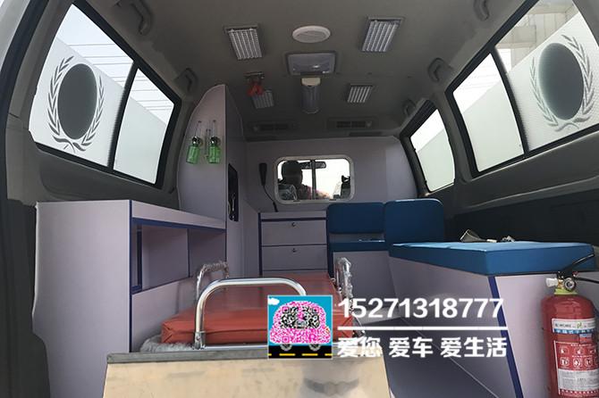 金杯閣瑞斯救護車圖片