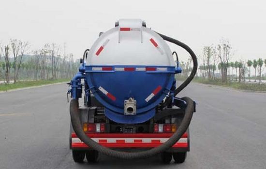 江铃4吨吸污车图片