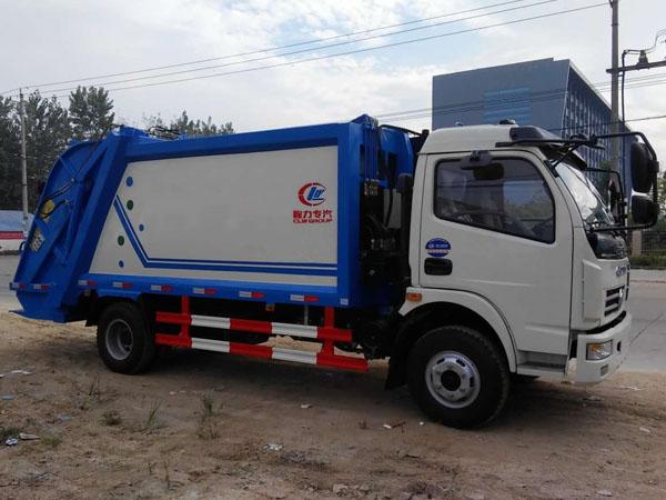 东风多利卡压缩式垃圾车图片