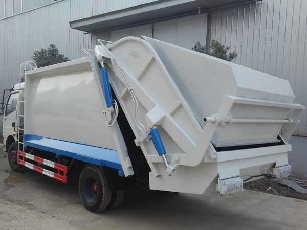 东风多利卡垃圾车图片