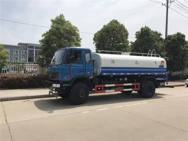 15吨东风153洒水车高清图片(蓝色 侧前2)