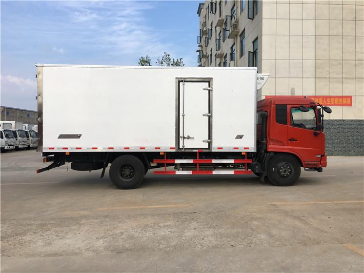 东风天锦冷藏车(厢长6.1米)图片