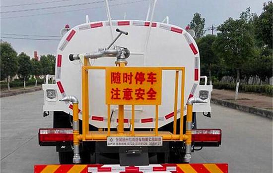 东风多利卡8吨洒水车图片