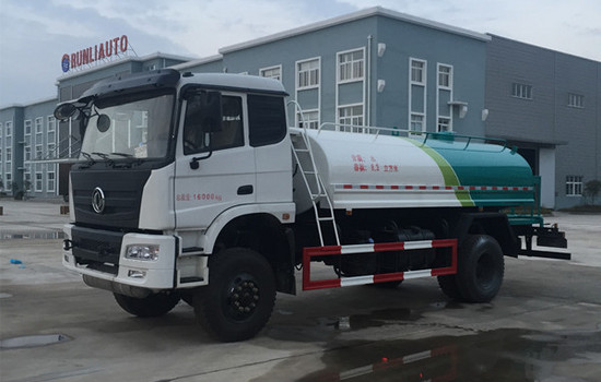 东风四驱15吨洒水车图片