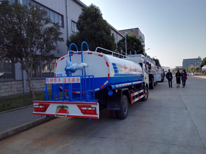 厦工楚胜东风多利卡洒水车八吨图片3