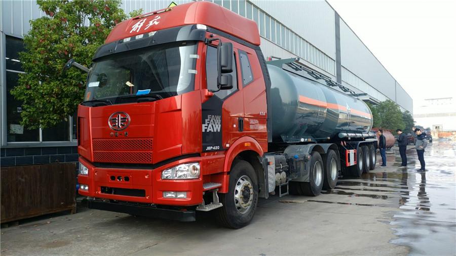 化工液體運輸車 (4)