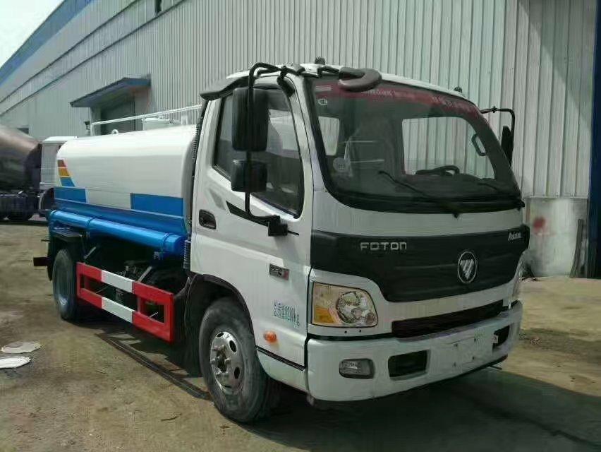 福田欧马可9.2吨洒水车
