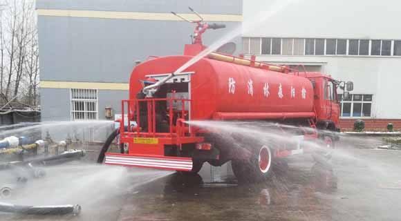 东风4吨消防洒水车