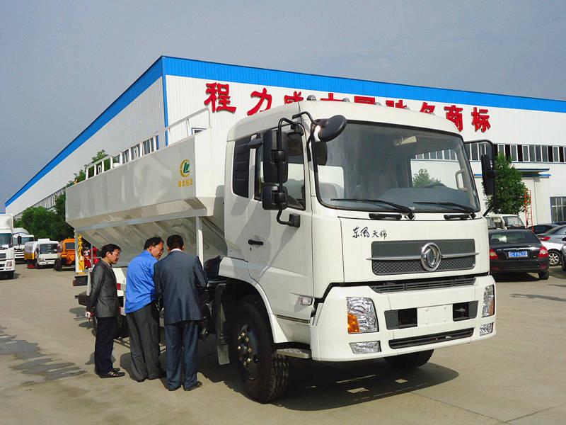 东风天锦20吨散装饲料车图片