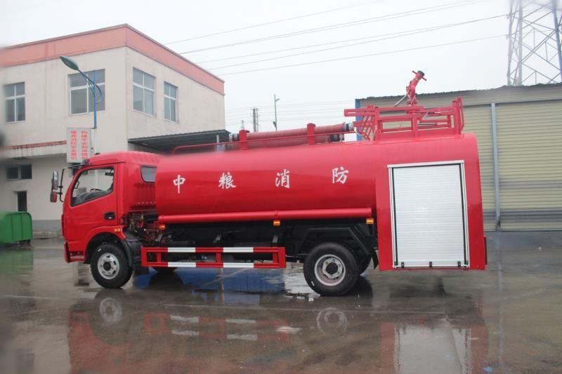 4-6噸大多利卡消防灑水車3