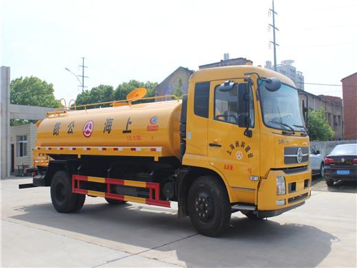 12吨东风天锦洒水车7