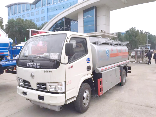东风多利卡5吨油罐车