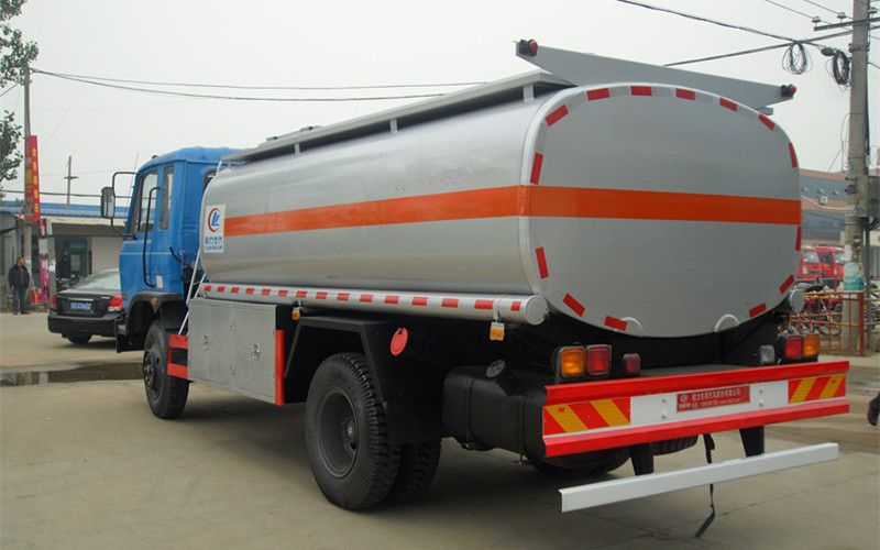 东风10吨油罐车图片