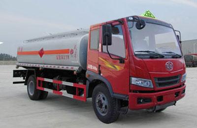 解放骏威11吨油罐车
