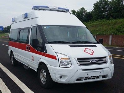 福特救V348长轴高顶监护型救护车