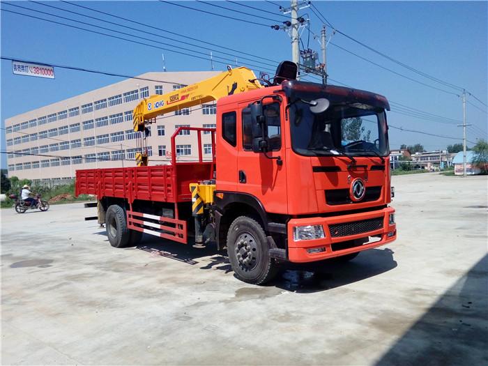 东风徐工6.3吨随车吊图片