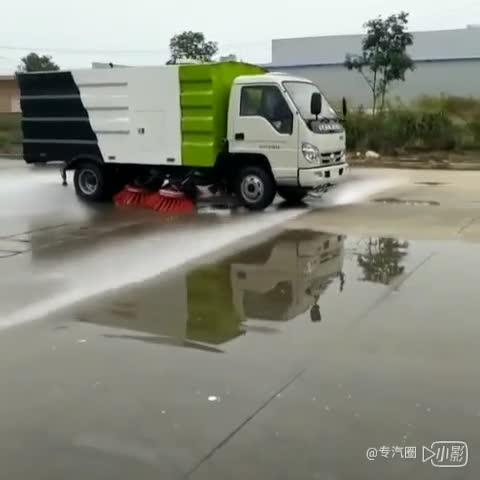 东风扫路车视频
