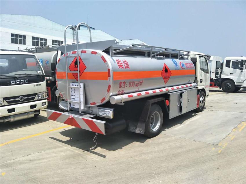 东风凯普特5吨油罐车