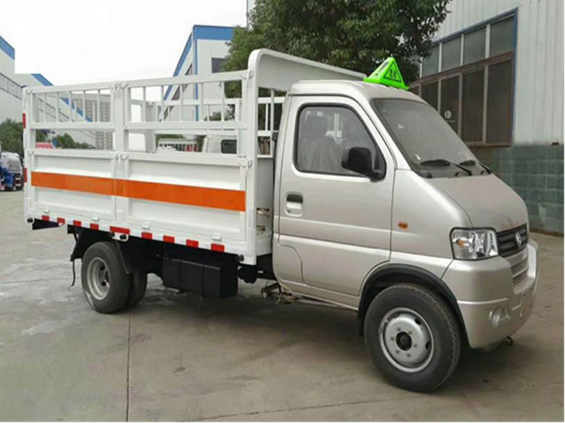 东风俊风4米气瓶运输车图片