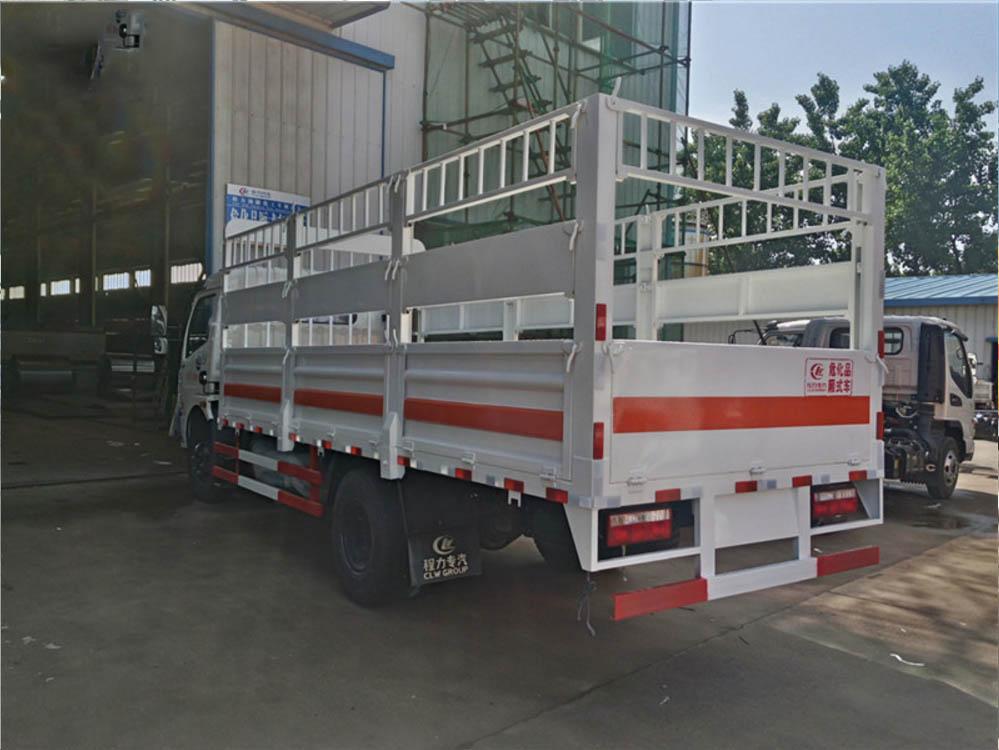 东风5.1米气瓶运输车图片