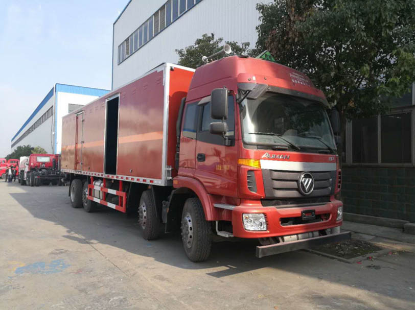 福田歐曼易燃液體廂式運輸車圖片