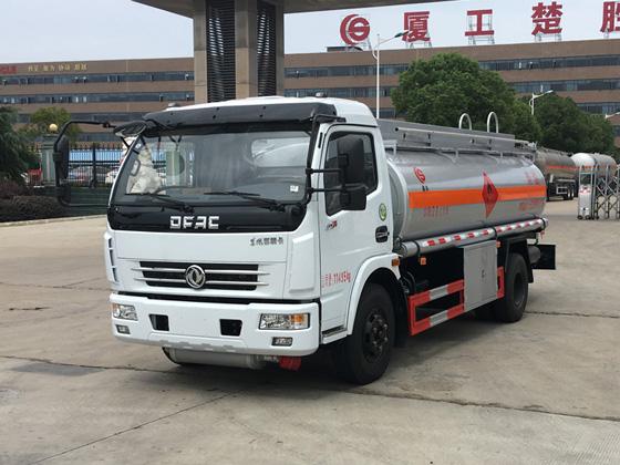 东风多利卡7吨加油车