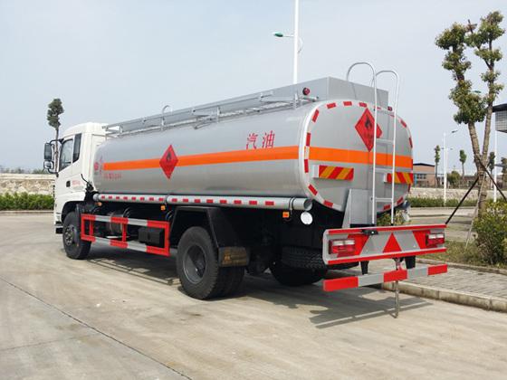 东风专底12吨加油车