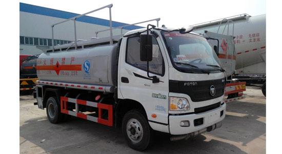 福田欧马可8吨加油车