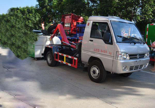 凯马2方勾臂式垃圾车