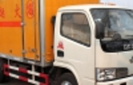 东风多利卡5.1米爆破器材运输车图片