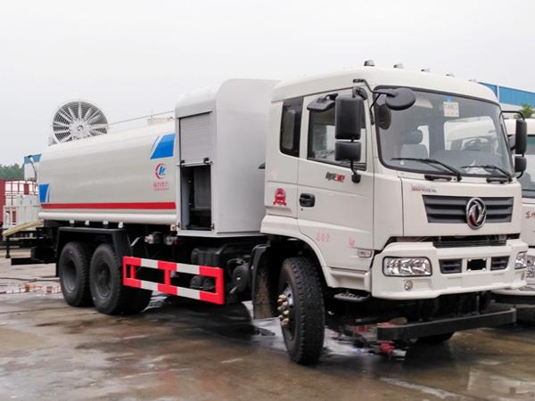 东风御龙15吨多功能80米雾炮车