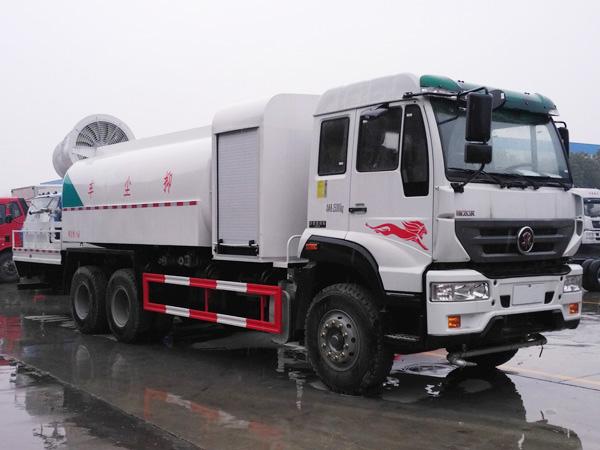 豪沃重汽15吨多功能100米雾炮车