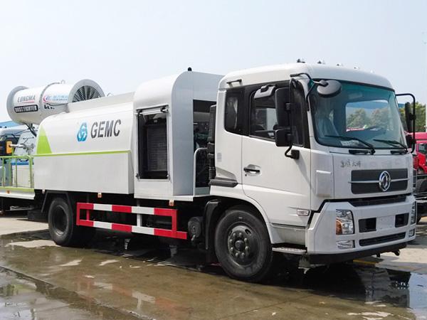 东风天锦8吨多功能70米雾炮车