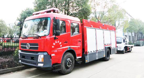 东风天锦6吨水罐消防车图片