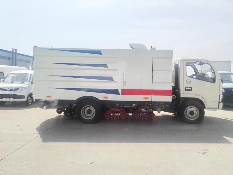 东风福瑞卡3吨扫路车图片