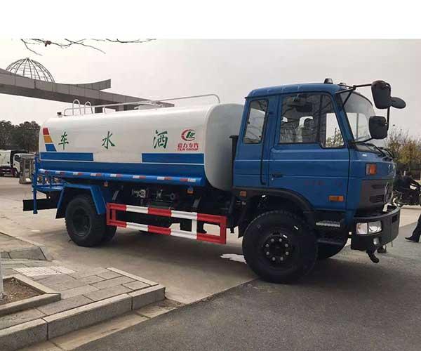 15吨东风153洒水车