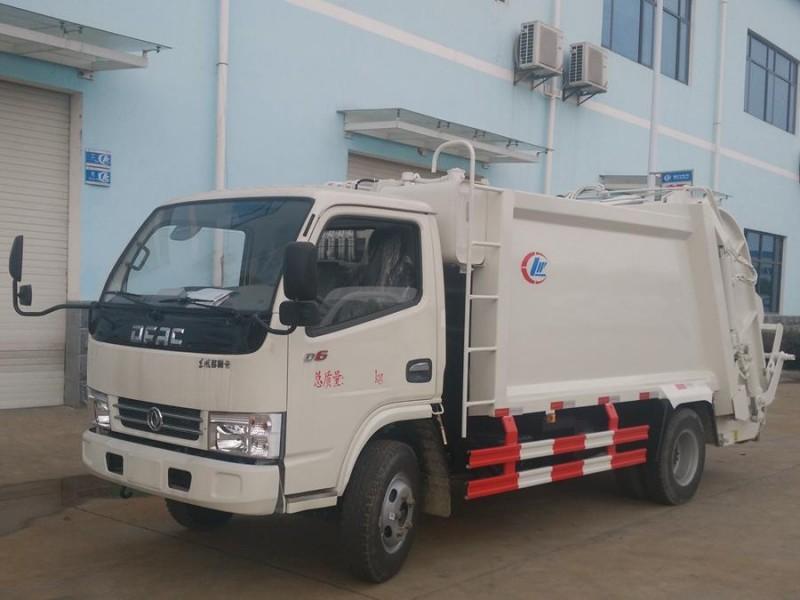 东风多利卡5吨压缩式垃圾车