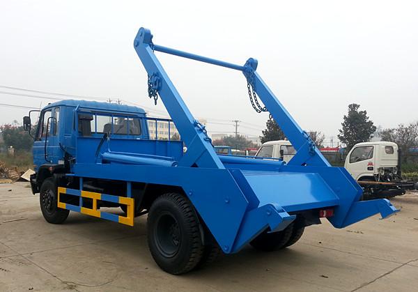 东风145型10吨摆臂垃圾车