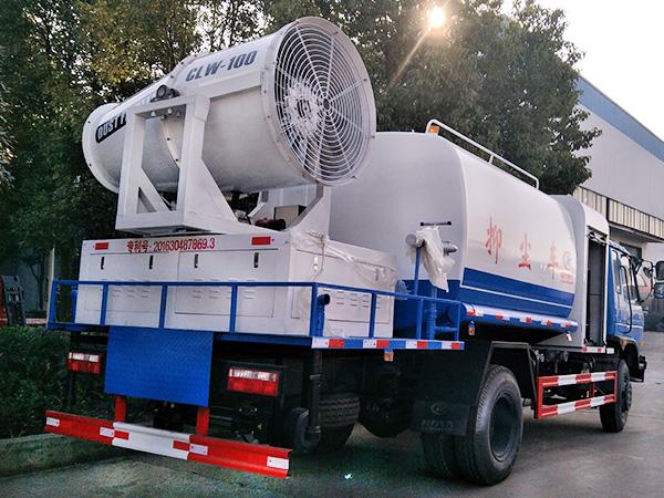 东风30米雾炮车