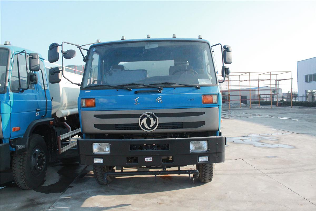 新款东风145洒水车(国五 10吨)