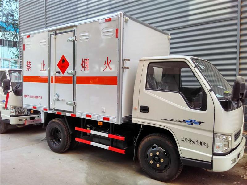 2类气体运输车