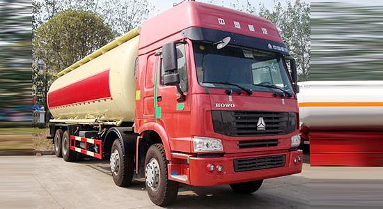 斯太尔45吨物料运输车