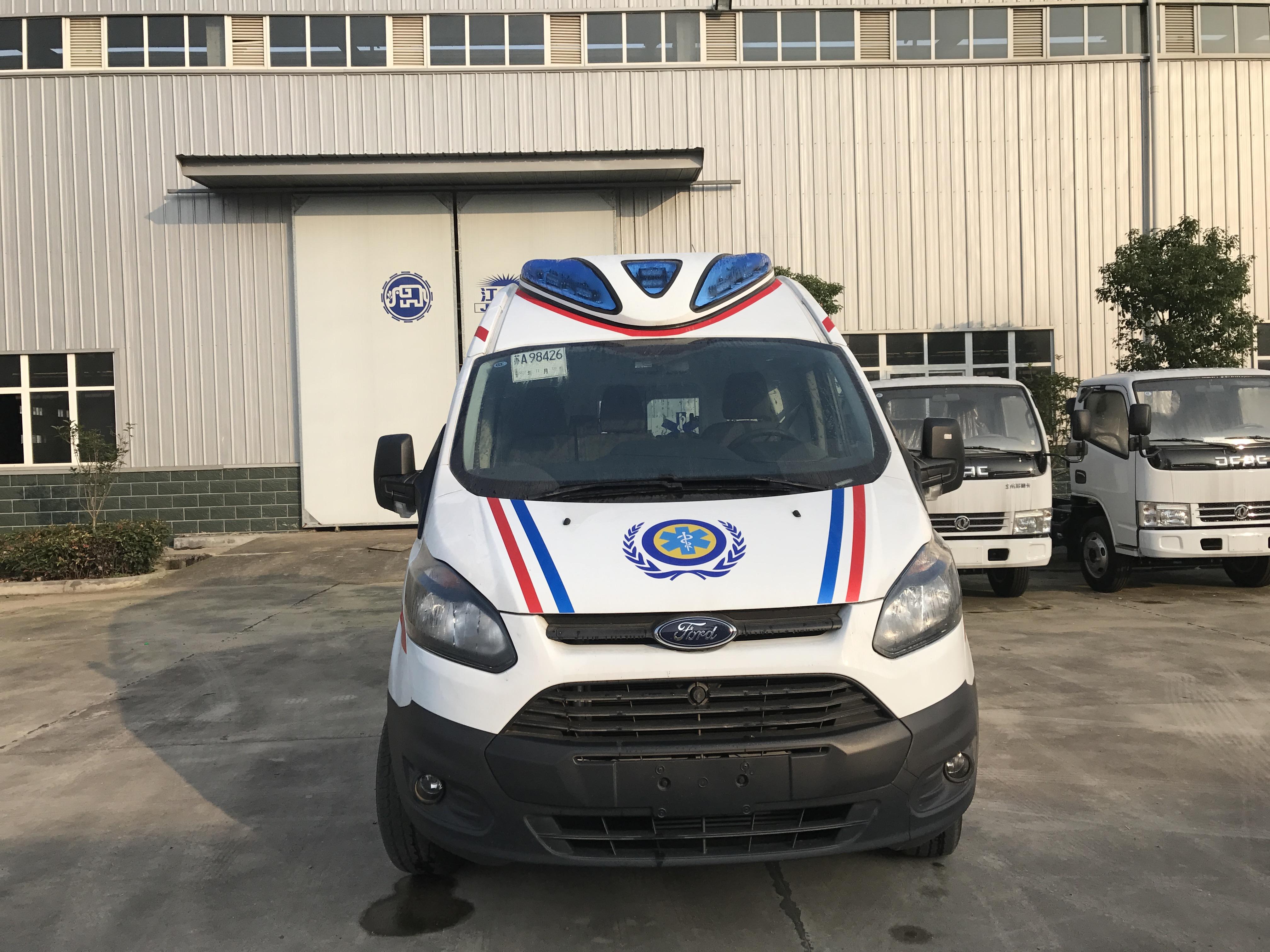 国六福特新全顺V362救护车(柴油)