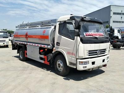 东风多利卡8吨加油车