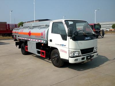 江铃3吨加油车