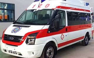 江铃救护车图片